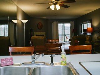 Branson Condo Rental | Pointe Royale | Golf | Indoor Pool/Hot Tub | Taneycomo