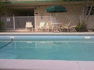 PRIVATE APPARTMENT CLOSE TO EVERYWHERE IN MIAMI, North Miami