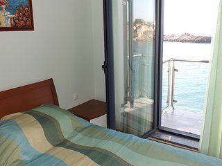 Amazing apartment on the sea foam, Sveti Stefan #BB2