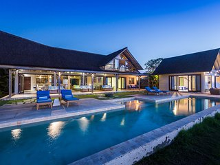Brilliant one bedroom couples villa on the Lembongan waterfront