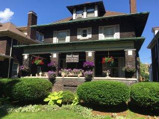 Niagara Victorian House, Niagara Falls