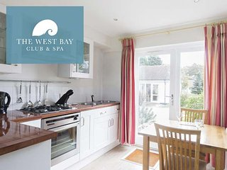 ONE BEDROOM COTTAGE AT THE WEST BAY CLUB & SPA, superb on-site facilities, in