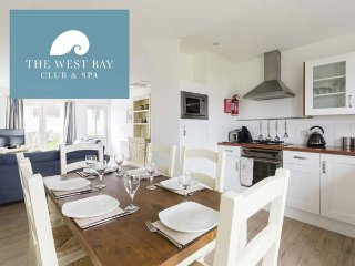 THREE BEDROOM COTTAGE AT THE WEST BAY CLUB & SPA, superb on-site facilities, in Yarmouth, Ref 943922