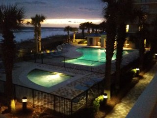 Luxury 3 bedroom beachfront Condo in lovely Bluewater Condiminiums, Orange Beach