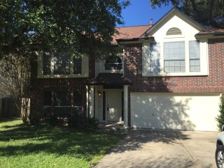 Entire 3 bedroom House 10 minutes from downtown Austin