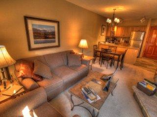 8350 Buffalo Lodge, Keystone
