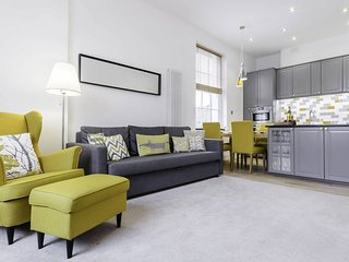 150 yr old 2bed 2bath Victorian flat in Islington
