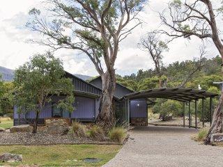 Kickenback Lodge - Crackenback, NSW