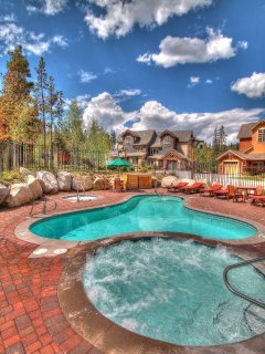 Minnie's Cabin Hot Tub - Ease your muscles in one of 2 outdoor hot tubs.