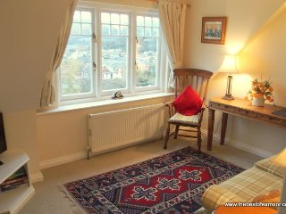 Dunkery Apartment, Porlock - Delightful Holiday Apartment in Porlock