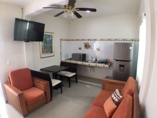 5th Avenue & Coco Beach. Adela III Apart 4 guests