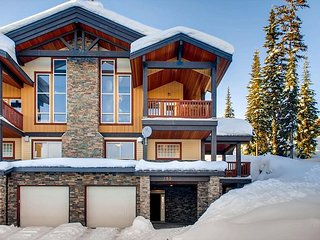 Luxury 3 bedroom chalet in the heart of Big White which sleeps 10 comfortably