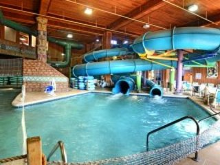 SANCTUARY LODGE AT SPLASH CANYON Wisconsin Dells, Wisconsin