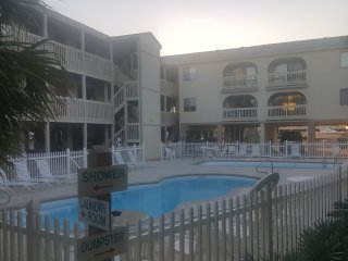 LAS PALMAS UNIT 205, BAY VIEW, BEACH ACROSS THE STREET, CLOSE TO RESTAURANTS AND, Gulf Shores