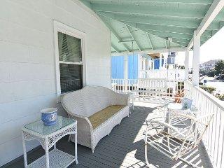 Gresham - Classic top floor beach cottage. Sleeps 6., Wrightsville Beach