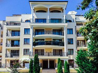 New listing! Lovely 1-bedroom flat with a view, Varna