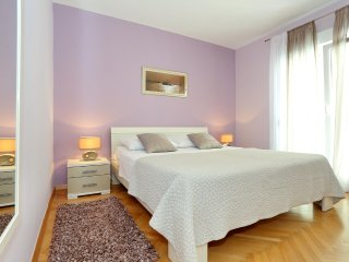 Chic 2 Bedroom Apt II, Zadar Old Town