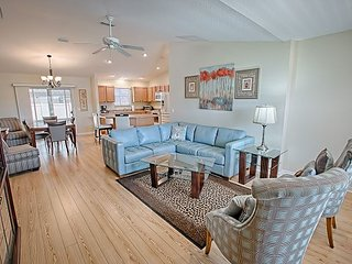 Pet friendly & upgraded in a fantastic location. FREE Golf Cart.