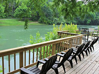 GUADALUPE RIVER GETAWAY, New Braunfels