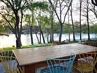 SUNSET LAKE HAUS, New Braunfels