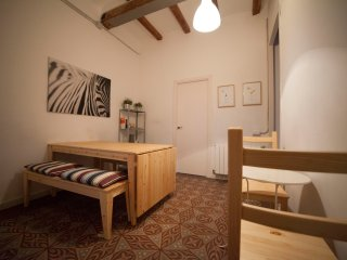 GREAT APARTMENT IN GRACIA IDEAL FOR LARGE GROUPS, Barcelona