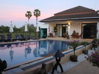5*Villa , large swim pool , fitness room 20 beds, Bang Tao Beach