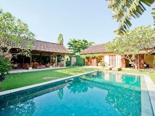 Located in the heart of Seminyak - 4BR Seminyak Villa (Rumi Villa)