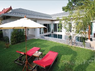 2-Bed Pool Villa with Lovely Garden