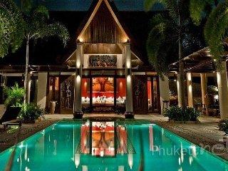 Luxury Sea View 7-Bed Villa in Kamala