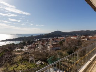 Apartment Bogoje - Two Bedroom Apartment with Balcony and Sea View