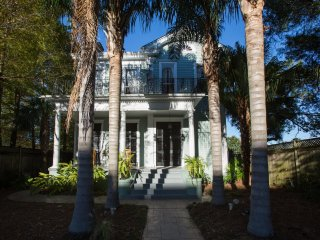 Majestic 5 bedroom Mansion close to French Quarter, New Orleans