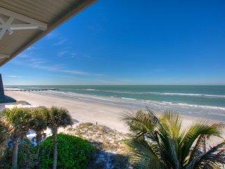 Amazing Beach Front Condo-Ocean views throughout!