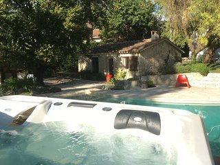 BEAUTIFUL HOUSE, 10 min from Cannes center, Mougins