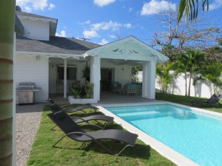 New villa ideally located in an intimate and secured Residential 200M from Beach, Las Terrenas