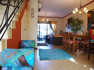 Artsy Townhouse in Gold Coast Aruba, Malmok Beach