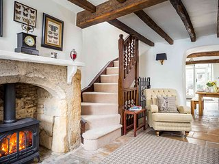 Bag End is a beautiful Cotswold stone property, in the heart of Stow-on-the-Wold