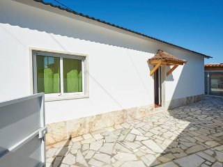 House in Carvoeira near the beach