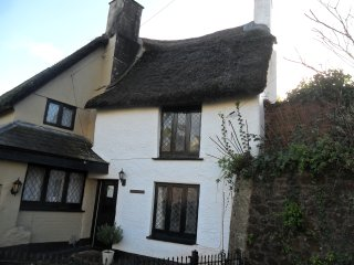 Thatched Chocolate Box Holiday Cottage, Paignton