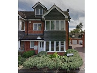 Four bedroom 3 bathroom family home in Surbiton Greater London