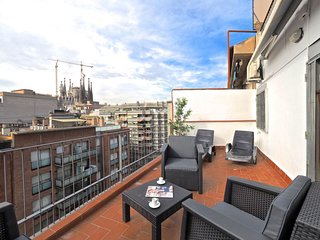 Bright Sagrada Familia apartment in Eixample Dreta with WiFi, airconditioning