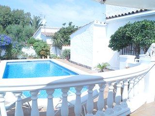 Magnifica casa con piscina privada (A13)