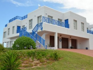 Spacious Executive Villa in a Nature Conservation area, Blue Horizon Bay
