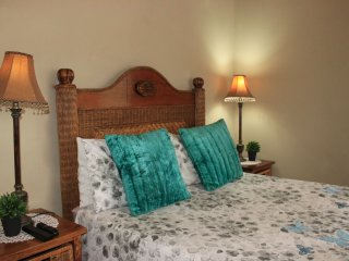 khaya4u Guest house (Room1)