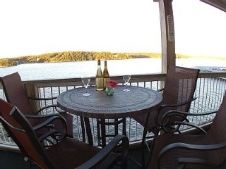 *View,View,View! *Beautiful 3 Bdrm/2 Bath - on Main Channel - Sleeps 8