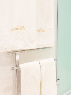 Bathroom | Full set of towels for each guest