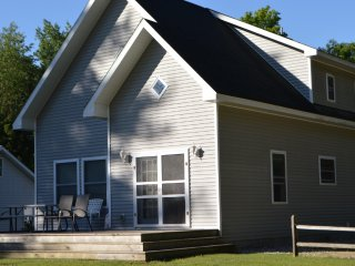 Beautiful Resort on Intermediate Lake (Cottage #2 - 6 cottages available), Bellaire