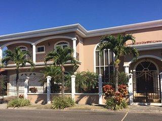 Jarahueca House., Ciudad Cariari
