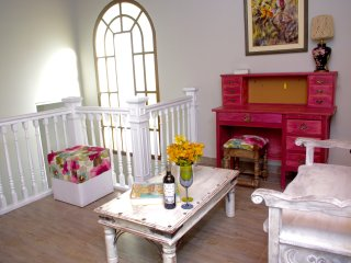 Newly remodeled vintage house (400 m2) Miraflores