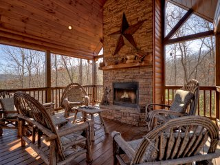 Unwind with Luxury Living in the Mountains
