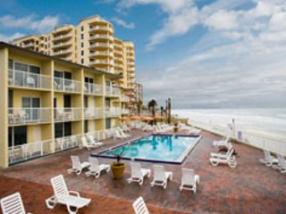 Spring Break in Daytona Sleeps 4